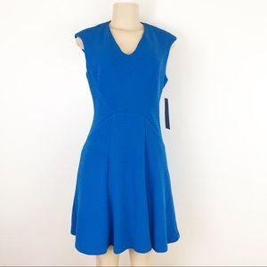 🔥 London Times Petites V Neck Flared Dress